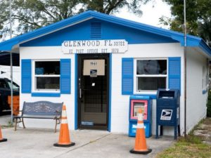 A photo of the historical post office in Glenwood, Florida